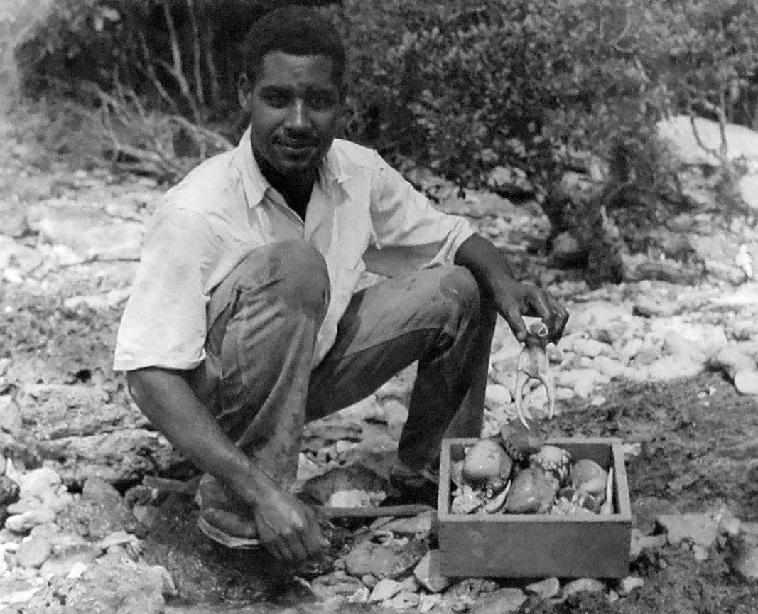 Museum Monday's Photo: Green Turtle Cay's Verdell Cooper Crabbing