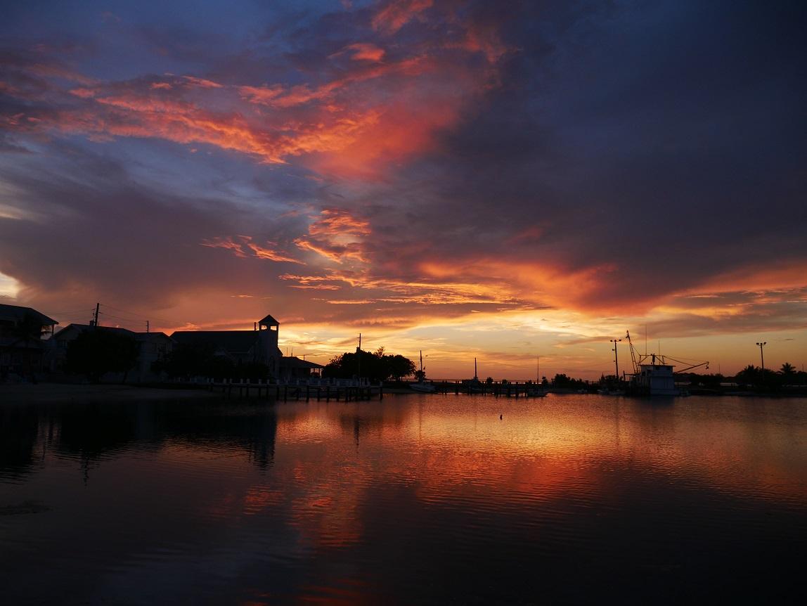 Sunset over Settlement Creek - Green Turtle Cay, Bahamas - www.littlehousebytheferry.com